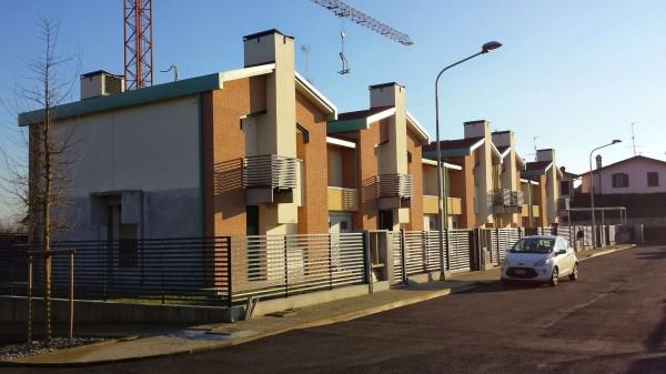Villetta a schiera in vendita a Borghetto Lodigiano, Residenziale, Con giardino, 162 mq