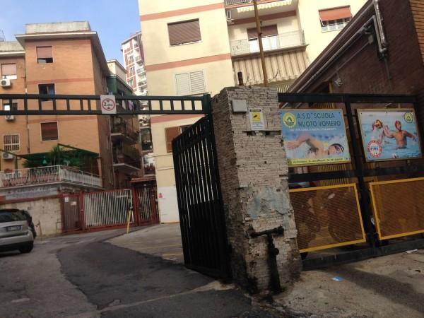 Appartamento in vendita a Napoli, 70 mq