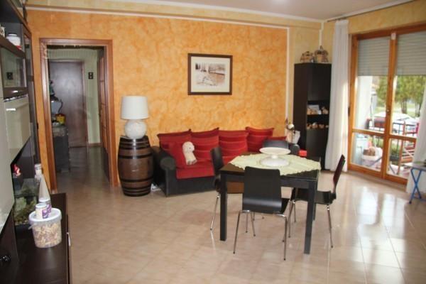 Appartamento in vendita a Spoleto, Loc. San Nicolò, 90 mq