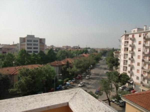 Appartamento in affitto a Forlì, Piazza Vittoria, 90 mq