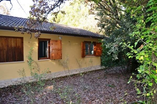 Villetta a schiera in vendita a Spoleto, Loc. Torricella, Con giardino, 85 mq