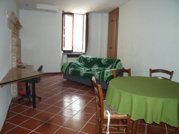 Monolocale in affitto a Spoleto, Vicinanze Via Ponzianina, 45 mq