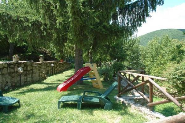 Rustico/Casale in vendita a Spoleto, Frazione Di Spoleto, Con giardino, 100 mq - Foto 2