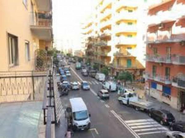 Appartamento in vendita a Napoli, 200 mq