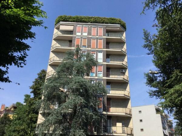 Appartamento in vendita a Monza, Centro Storico, Con giardino, 90 mq