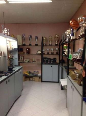 Locale Commerciale  in vendita a Monza, Centro Storico, 220 mq - Foto 3