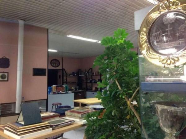 Locale Commerciale  in vendita a Monza, Centro Storico, 220 mq - Foto 2