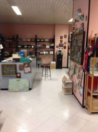 Locale Commerciale  in vendita a Monza, Centro Storico, 220 mq - Foto 1