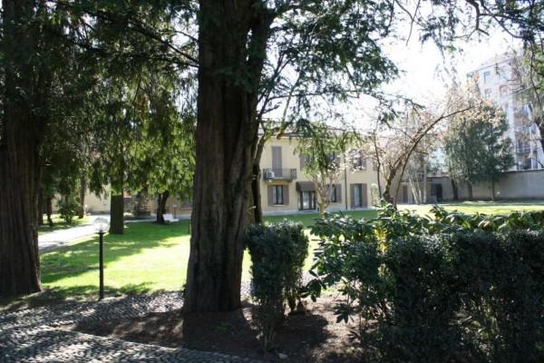Appartamento in vendita a Monza, Centro Storico, Arredato, con giardino, 140 mq