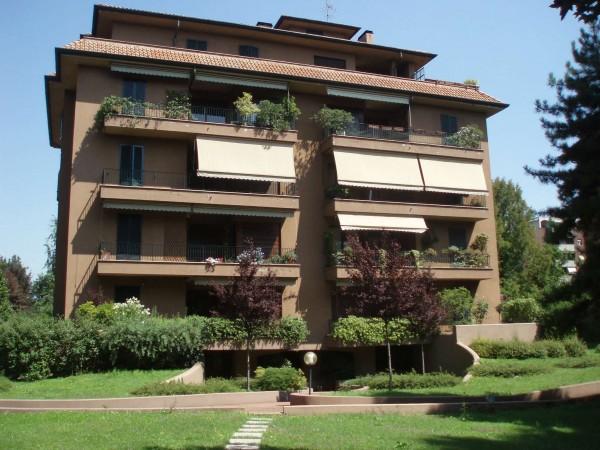 Appartamento in vendita a Monza, San Fruttuoso, Con giardino, 235 mq