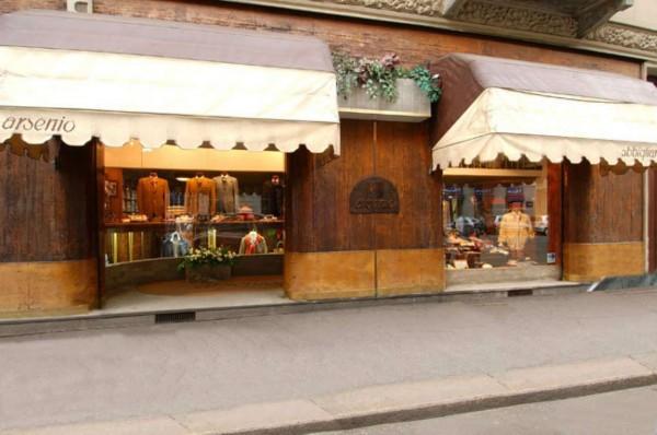 Negozio in vendita a Torino, 220 mq - Foto 1