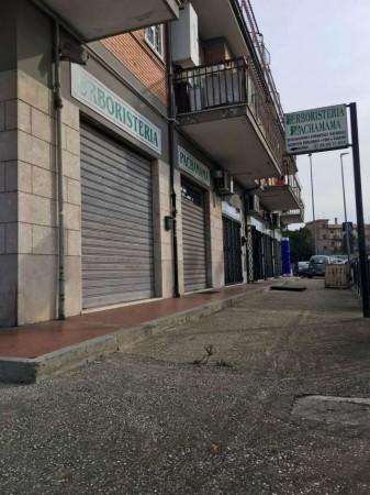 Negozio in affitto a Roma, 60 mq - Foto 1