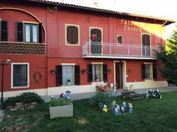 Rustico/Casale in vendita a Asti, Quarto Superiore, 800 mq