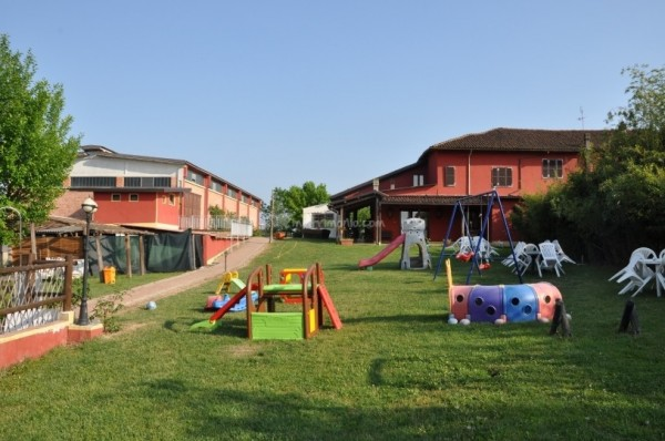 Rustico/Casale in vendita a Asti, Quarto Superiore, 800 mq - Foto 2