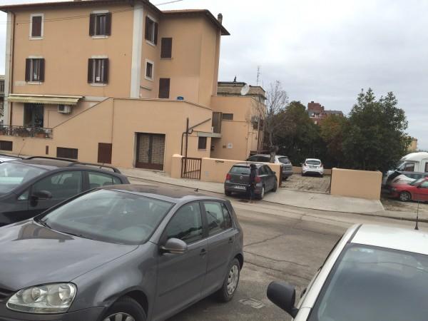 Ufficio in affitto a Spoleto, Prima Periferia, 118 mq
