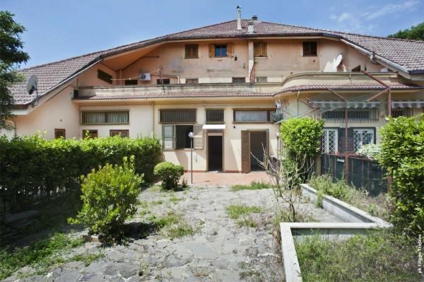 Appartamento in vendita a Rocca di Papa, Con giardino, 85 mq