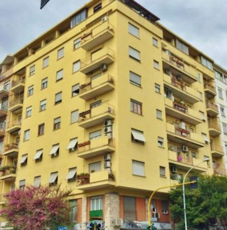 Appartamento in vendita a Roma, Largo Preneste, 65 mq