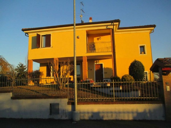 Villa in vendita a Alessandria, Gerlotti, Con giardino, 230 mq
