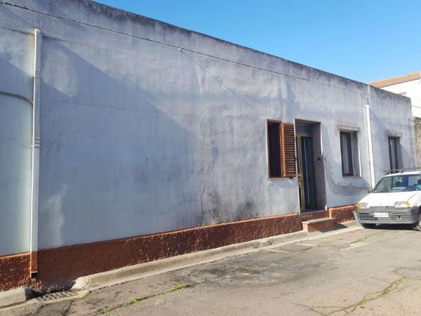 Casa indipendente in vendita a Monserrato, Con giardino, 105 mq - Foto 2