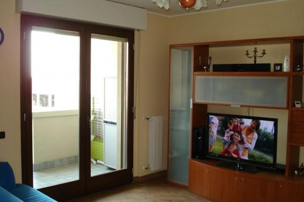 Appartamento in vendita a Caronno Pertusella, Con giardino, 87 mq - Foto 1