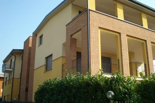 Appartamento in vendita a Cesate, Arredato, con giardino, 58 mq
