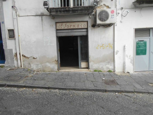 Negozio in affitto a Napoli, 50 mq