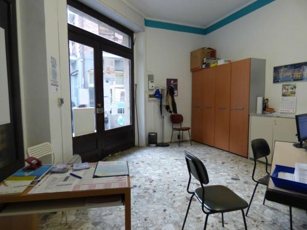 Locale Commerciale  in vendita a Caselle Torinese, 31 mq - Foto 2