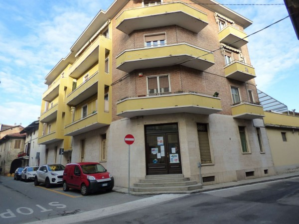 Locale Commerciale  in vendita a Caselle Torinese, 31 mq