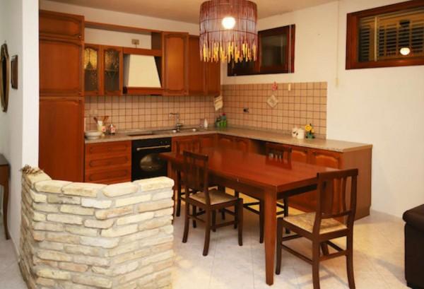Appartamento in vendita a Soleminis, Piazza Delle Chiudende, Con giardino, 99 mq