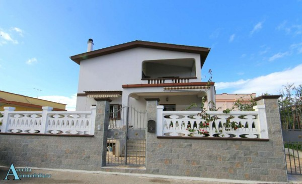 Villa in vendita a Taranto, Residenziale, Con giardino, 190 mq