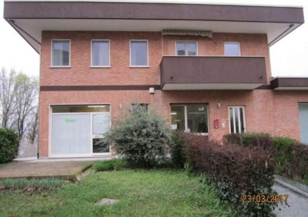 Ufficio in affitto a Cambiano, 100 mq