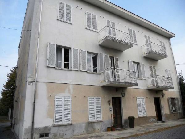Casa indipendente in vendita a Ivrea, Residenziale, Con giardino, 340 mq