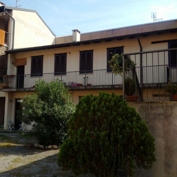 Appartamento in vendita a Gorla Minore, Ospedale, Con giardino, 92 mq - Foto 1