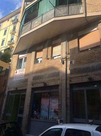 Negozio in vendita a Napoli, Piazza Cavour, 603 mq