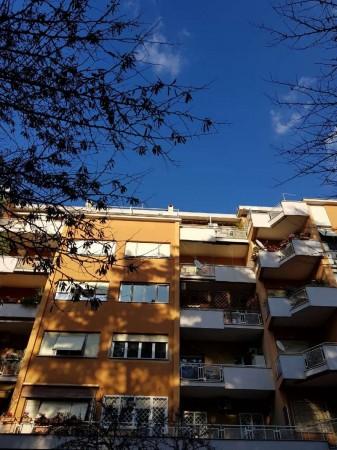 Appartamento in vendita a Roma, Porta Metronia, 68 mq