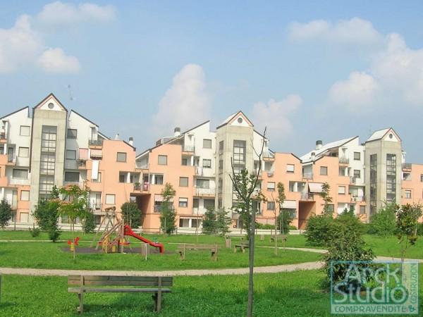 Appartamento in vendita a Cassano d'Adda, Con giardino, 93 mq