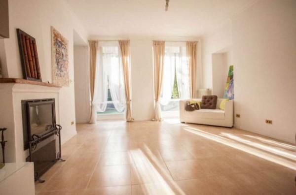 Casa indipendente in vendita a Viverone, Centro Paese, Con giardino, 420 mq - Foto 1