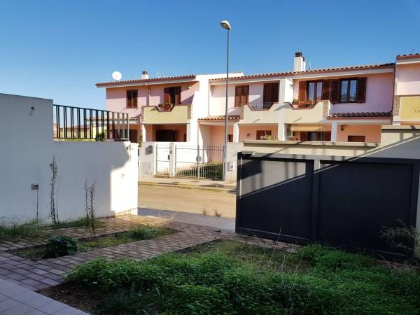 Casa indipendente in vendita a Dolianova, Campo Sportivo, Con giardino, 101 mq - Foto 1