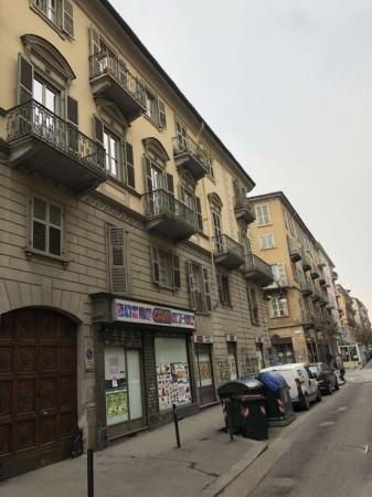 Appartamento in vendita a Torino, San Salvario, 106 mq
