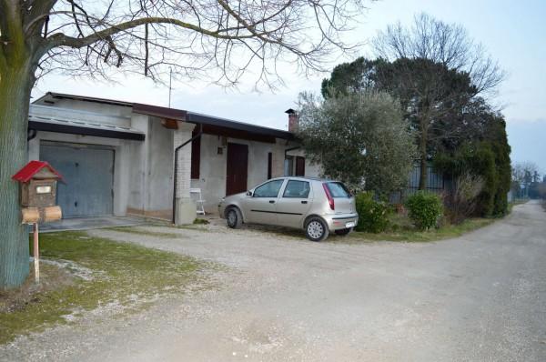 Casa indipendente in vendita a Forlì, Villagrappa, Con giardino, 156 mq