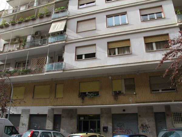 Appartamento in vendita a Roma, Via Gallia, Con giardino, 120 mq