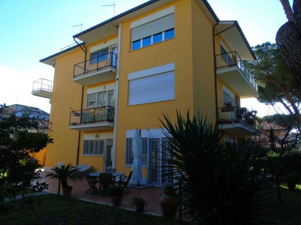 Appartamento in vendita a Roma, Statuario, Con giardino, 148 mq - Foto 1