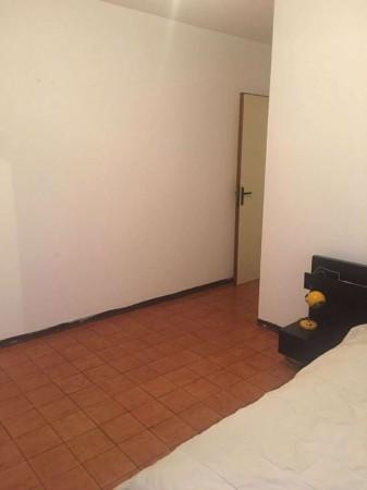 Appartamento in vendita a Garbagnate Milanese, Con giardino, 100 mq