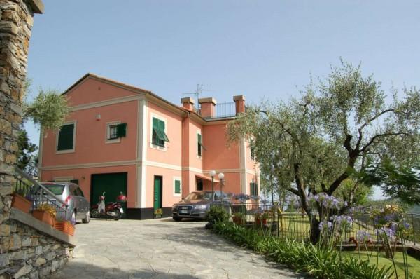Villa in vendita a Rapallo, Castellino, Con giardino, 290 mq - Foto 1