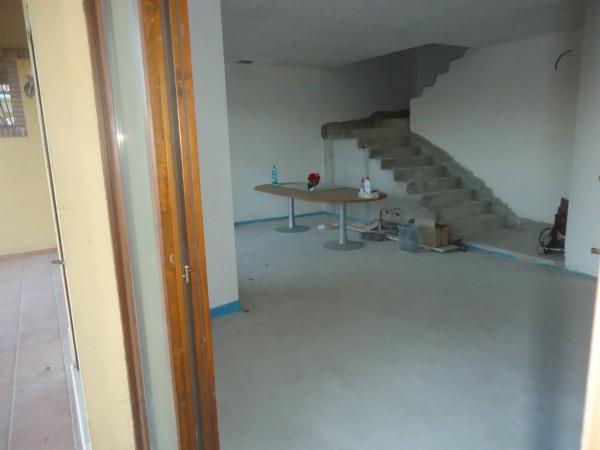 Casa indipendente in vendita a Tortoreto, Mare, Con giardino, 300 mq - Foto 2