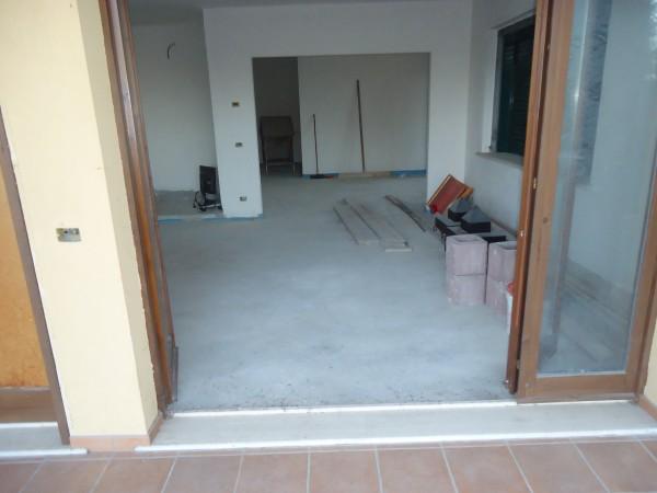 Casa indipendente in vendita a Tortoreto, Mare, Con giardino, 300 mq - Foto 4