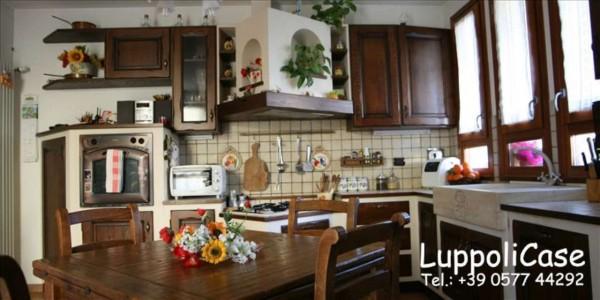 Appartamento in vendita a Monteriggioni, Arredato, con giardino, 78 mq