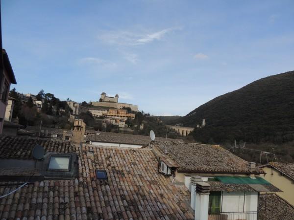 Appartamento in vendita a Spoleto, Centro Storico, Con giardino, 82 mq - Foto 3