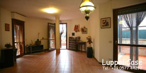 Appartamento in vendita a Siena, Con giardino, 80 mq - Foto 1