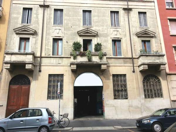 Capannone in vendita a Milano, Via Washington, 1000 mq